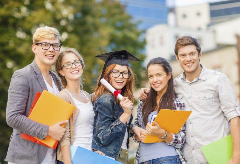 Estudiantes de bachillerato tecnológico