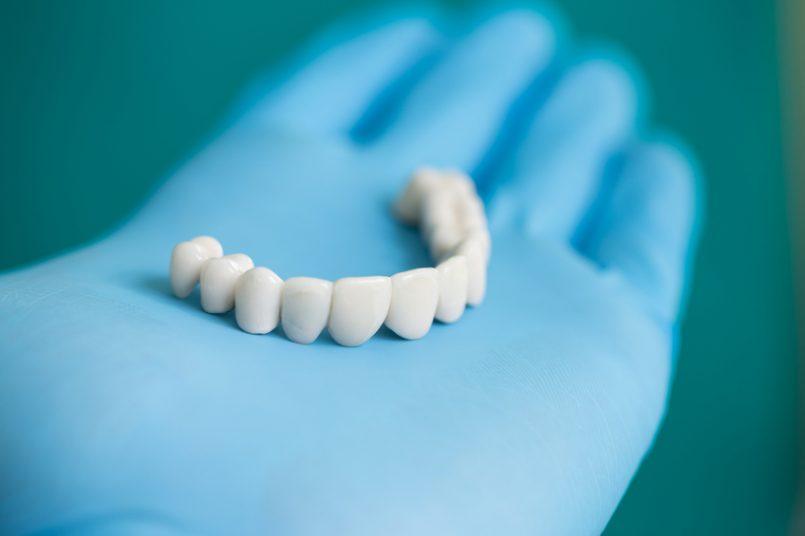 Mecánico Dental, el artesano bucal